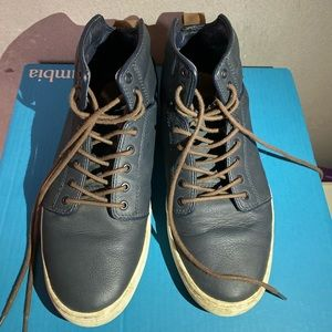 Vans off the Wall Street shoes